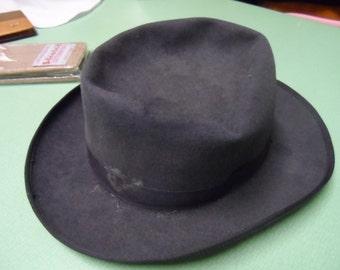 Hat: Fedora 1940-50s