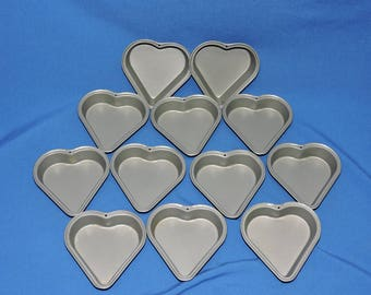Lot 12 Heart Shaped Pans 4 inch in Nonstick Metal Baking Cake Pastry Wedding Crafts