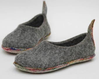 Felted slippers Multilayer sole Men home shoes Grey shoes Traditional felt Natural wool Extremely comfortable Gift for her Woolen clogs