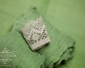 Grey crown + green wrap for newborn photography