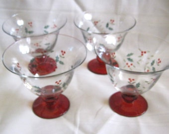 Set of 4 PFALTZGRAFF Winter Berry Ruby Footed DESSERT GLASSES or Bowls Never Used Excellent Condition