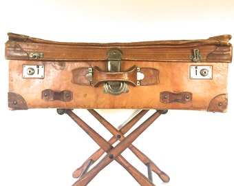 Vintage leather suitcase/luggage with the stand