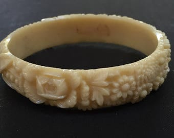 Reserved Pretty Floral 1930's Celluloid Bangle