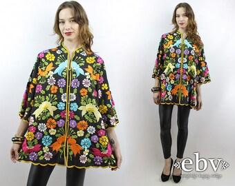 Vintage 70s Black Embroidered Floral Kimono Top XL 1X Embroidered Jacket Hippie Top Embroidered Top Hippy Top 1970s Kimono 70s Top 1970s Top