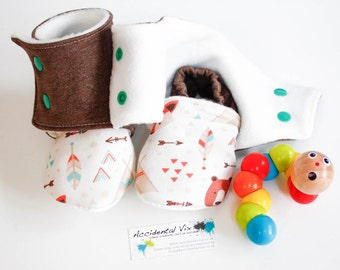 Winter baby slippers, stay on baby boots, woodland fox and bear booties, 12-18m, 1st birthday gift