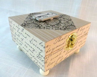 Memory or Keepsake Box. Key to My Heart.Triple tiered flower on inside lid. Engagement, Shower, Wedding, Anniversary Gift.
