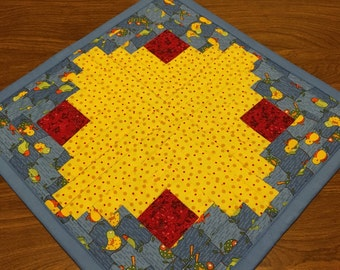 Candle Mat, Table Topper, Mini Quilt, Doll Quilt, Log Cabin