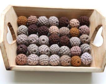 Wooden beads set. 35 brown and beige wooden crochet balls