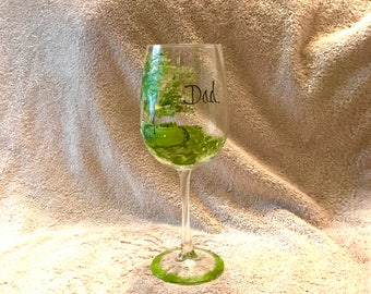 Free shipping Golfers hand painted personalized wine glass for dad, grandfather, uncle, brother, in law, or with name etc.