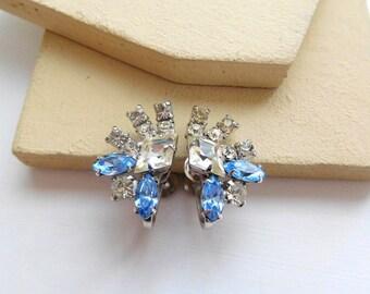 Vintage 1950s Signed Duane Clear Blue Rhinestone Starburst Screw Back Earrings