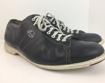 Vintage  Mens Bowling Shoes 12 Black leather Bowling shoe Linds