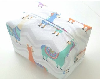 HURRY PRESIDENTS DAY Sale Llama Makeup Bag  - Cosmetic Pouch - Bridesmaid Gifts - Wet Bag - Waterproof Bag
