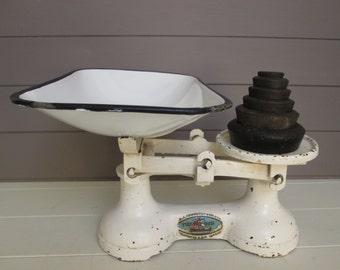 Enamel Pan Vintage Scales and Weights FJ Thornton & Co.Ltd. Vintage Farmhouse Kitchen