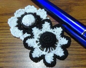 Button flowers #bf012 lot of 2 crochet appliques bouquet decoration adornment embellishment motifs wedding birthday