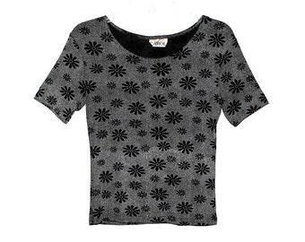 Vintage 90s CAROL Black & White Stretchy Daisy Flower Printed Shirt