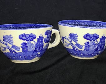 Buffalo Restaurant China Blue Willow 6 oz. Tea Cups (only) (Set of Two) in Very Good Used Condition