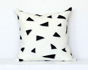 Tossed Triangle Brushstrokes Linen Pillow Cover - Off-White Combo