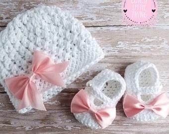 Baby Hat and Booties set, Crochet Baby Girl set, Newborn Set, Crochet Baby Girl Shoes, Pink Bow Set, Spring Baby Girl Hat