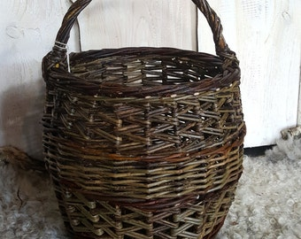 Gathering Basket, willow basket, willow shopper, natural ,hand made, woven ,wicker, salix,  green, wooden, wood.