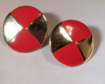 Round enameled vintage pierced earrings