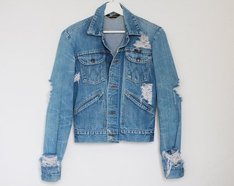 Denim Wrangler Jacket Vintage Oversized Medium Blue Jeans Ripped Holes Destroyed Grunge Retro Grunge / SMALL
