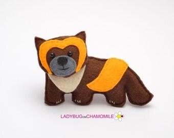 Felt WOLVERINE, stuffed felt Wolverine magnet or ornament, Wolverine toy, Forest animals, Nursery decor,Wolverine magnet,Cute animal,magnet