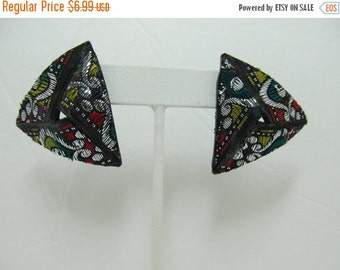 On Sale 1980s Chunky Fabric Earrings Item K # 1028