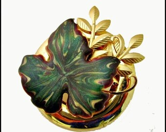 Leaf brooch Green Enamel  marbled and Gold tone Pin