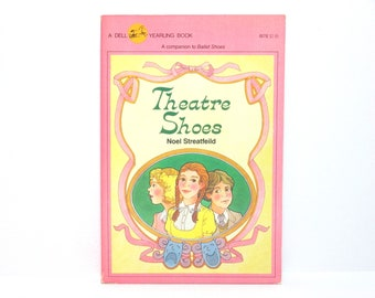 Theatre Shoes by Noel Streatfeild 1983 Vintage Dell Yearling Book