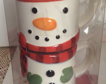 Hallmark Stackable Mugs Snowman design   Cute