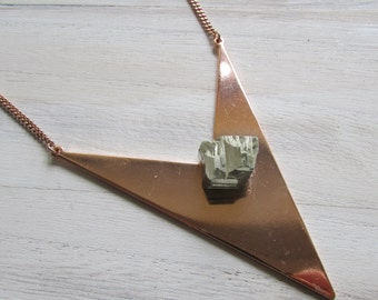 Geometique pyrite necklace