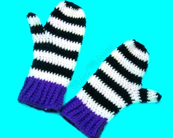 Stripey Crochet Mittens Womens Cosy Hand Warmers Acrylic Knit Black & White Gloves Gothic Mittens Spooky Gift for Her Girls Knitted Mittens