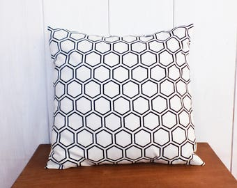 Cushion cover 40 x 40 cm black HEXAGONS and Scandinavian deco white