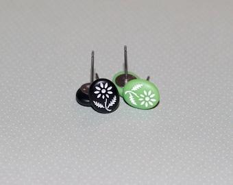 Vintage Etched Flower Stud Earrings, Titanium Earrings, Hypoallergenic Stud Earrings, Black and Green Earrings