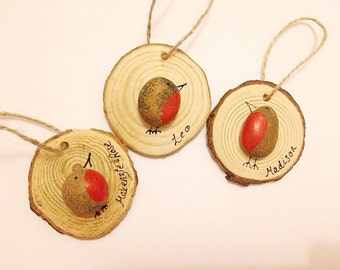 Pebble Robins, Pebble Birds, Hanging Birds, Robin Tree Decoration, Personalised Tree Decorations, Rustic Christmas Tree, Rustic Woodslice