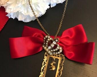 DARKWHISPER Merry Christmas Handmade Red Ribbon Crystal Crown & Romantic Frame Rabbit Fairy Tale Pendant Necklace