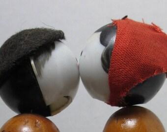 Nodder Bobblehead Kissing moving heads shaking heads wiggleheads vintage collectible figurine statue miniatrue people KnickKnacks Dolls