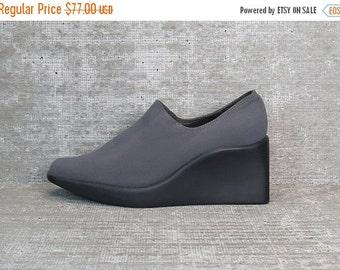 25% OFF Vtg 90s Gray Iridescent Neoprene Stretchy Minimalist Wedge Shoes 6.5