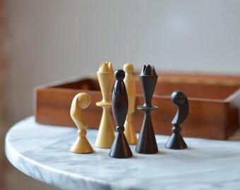 Mid Century Anri Chess Set designed by Arthur Elliot with original mahogany box