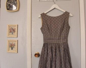 1950s lavender sleeveless novelty print dress