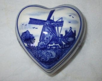 "Elesva Holland Hand Painted Delft Blue Heart Shaped Trinket Box + Lid, 2-3/8"", Windmill (c. 1970s)"