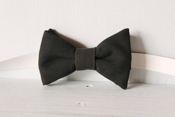 Bow tie unisex >> Black bow, leather strap, buckle >> Brisbane