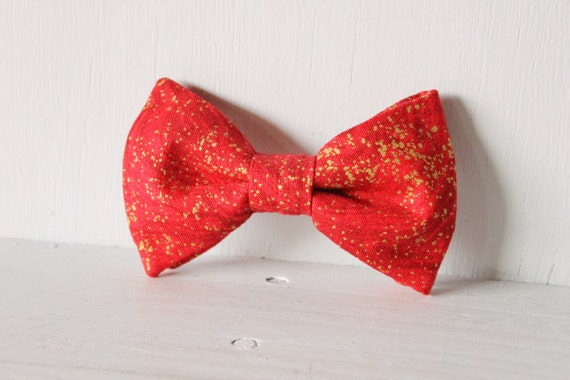Dog bow tie >> Red and gold Christmas bow with elastic >> Pet gift