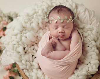 Ivory Wool Layer, Newborn Bump Blanket, Ivory Wool Mini Blanket, Ivory Basket Stuffer, Thick and Thin Newborn Blanket