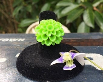Spring Green Dahlia Adjustable Ring