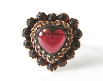 Reserved 14K Gold Heart Garnet Ring Size 8