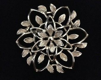 Vintage 1960's Sarah Coventry signed Floral Goldtone Brooch (Tier 1)