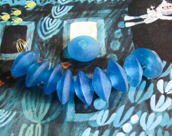 10 pcs glass bead lens matt blue 18 mm