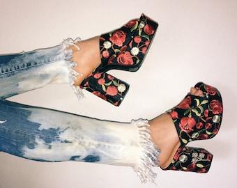 BLOW OUT SALE Bleached Tie Dye Fringe Skinny Jeans ( size 25 )