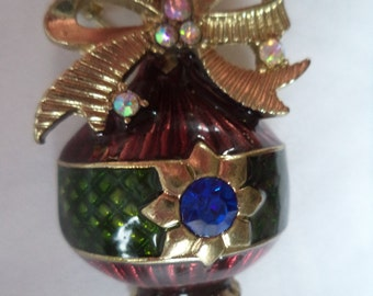Vintage Unsigned Goldtone/Enamel/Burgundy/Blue AB Stones  Christmas Bauble Ornament Brooch/Pin